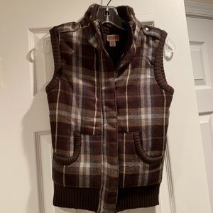 Mossimo Supply Co brown plaid knit outerwear vest